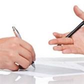 Phân biệt hợp đồng làm việc và hợp đồng lao động