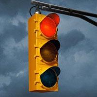 Lỗi ô tô vượt đèn đỏ năm 2021 phạt bao nhiêu?