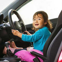 Bao nhiêu tuổi được lái xe ô tô?