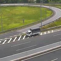 Ô tô đi lùi trên đường cao tốc bị phạt thế nào?