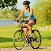 Những hành vi nào không nên thực hiện khi điều khiển xe đạp?